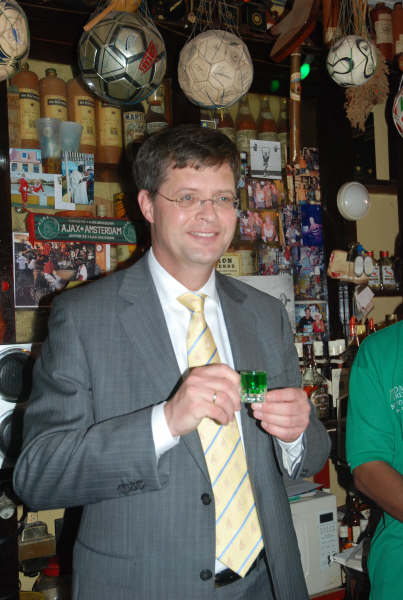 Sr.Dr. Jan Peter Balkenende den Netto Bar